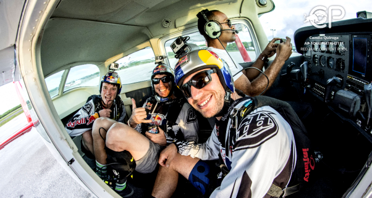 red-bull-air-force-aterriza-en-electric-paradise-2016-extremard-1